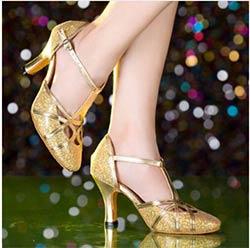 06742923f6193d 2017 Latine Danse Chaussures Femme À Talons Hauts Argent Or Pas Cher Salle  De Bal danse Chaussures Filles Gliter Fermé Orteil Salsa Chaussures 5 cm 8  cm ...