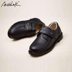 9bac1316ac0fc ActhInK Nouveau Enfants Véritable Robe Chaussures De Mariage En Cuir pour  Garçons Marque Enfants Noir De Mariage Chaussures Garçons Formelle Wedge  Sneakers