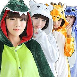 49d93dcbee38b Animal de bande dessinée Chine panda Pyjamas Cosplay Pour Femmes hommes  Adulte Unisexe Pyjamas À manches Longues En Flanelle Hiver Automne de Nuit