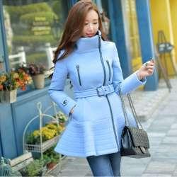 Manteau d'hiver bleu ciel