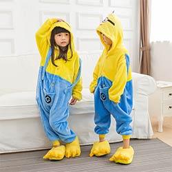 5f1aa08eaa986 Enfants Pyjamas Cosplay Animal de Bande Dessinée Minions Onesie Enfants  Nuit Bébé À Manches Longues Pijama Infantil Enfants Garçon Filles Vêtements