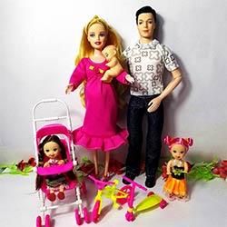 latest fashion wholesale online special sales Filles Toys Famille 5 Personnes Poupées Costumes 1 Maman/1 Papa/2 peu Kelly  Fille/1 Bébé Fils/1 Bébé Transport pour barbie, Réel Enceintes poupée