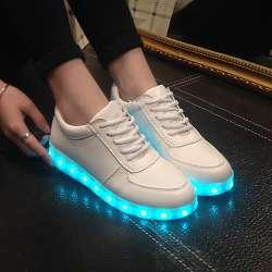 ab6c750c365aa Haute Qualité Eur Taille 27-42 7 Couleurs Enfant Baskets Lumineuses  lumineux USB Charge Garçons LED Chaussures Filles Chaussures LED Pantoufles  blanc