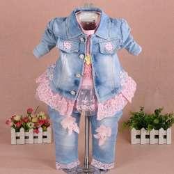 c9645bb222dd7 Nouveau 2017 filles vêtements set 3 pcs enfants fille denim ensemble bébé  fille vêtements ensembles pour d anniversaire veste + t chemise + jeans  vêtements ...
