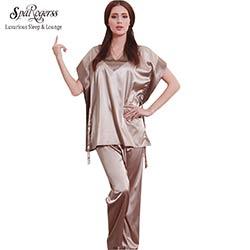 830b50aa034d7 SpaRogerss Chaude Mode Femmes Pyjamas D'été 2017 Marque Dames Satin Pyjama  À Manches Courtes Pyjamas En Soie Pyjamas Femmes YT167