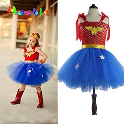 4460901e4aa1b Super-héros Wonder Woman Fille Tutu Robe Enfants Cosplay Costume De Noël  Halloween Habiller Tutu Robes Bébé Accessoires Photo